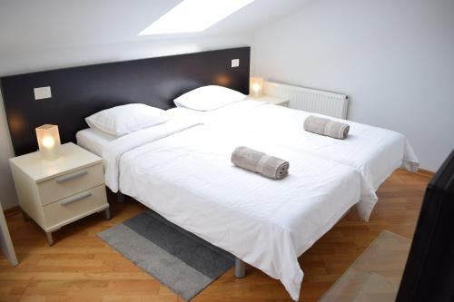A bed or beds in a room at Bright apartment 1 in the heart of Prague