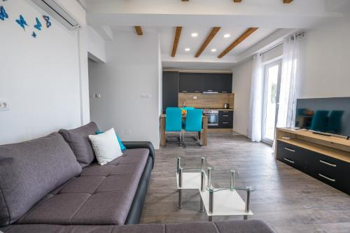 A seating area at Apartman Dragica