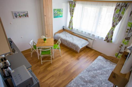 A seating area at Apartment IVA - Iglika 2
