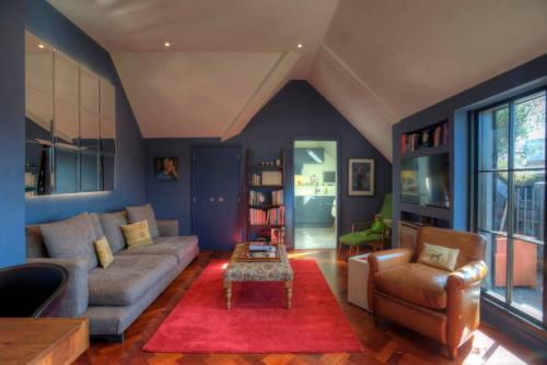 Oleskelutila majoituspaikassa Luxury St Pauls Penthouse