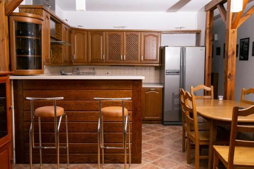Kuchnia lub aneks kuchenny w obiekcie Apartament w centrum