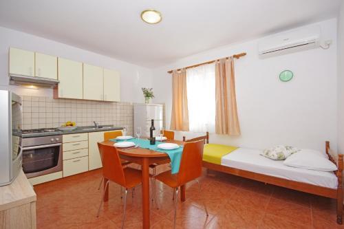 A kitchen or kitchenette at Apartments Imgrund