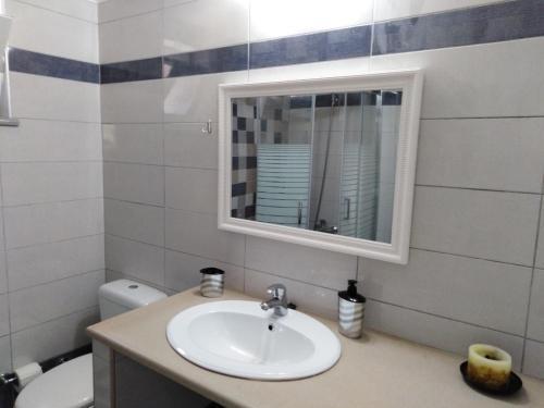 A bathroom at Sun Gazing Villas