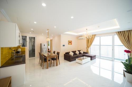 Luxury Apartment 3BDR #Seasons Avenue Sky View