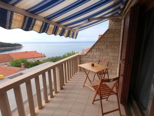 A balcony or terrace at Studio Momina