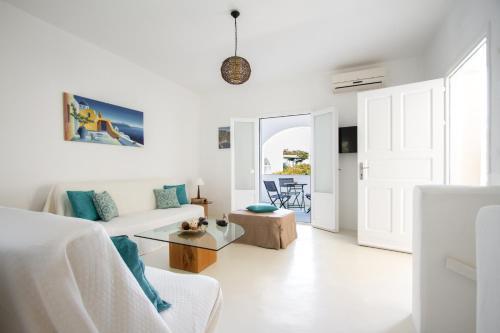 Uma área de estar em Sea Sound White Katikies