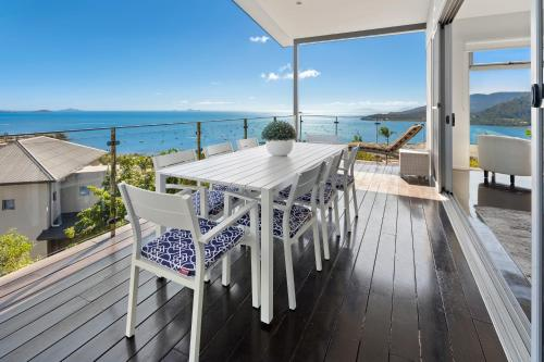 A balcony or terrace at Horizons - Airlie Beach
