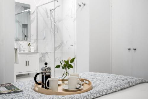 A bathroom at Lake Daylesford Apartment 2A