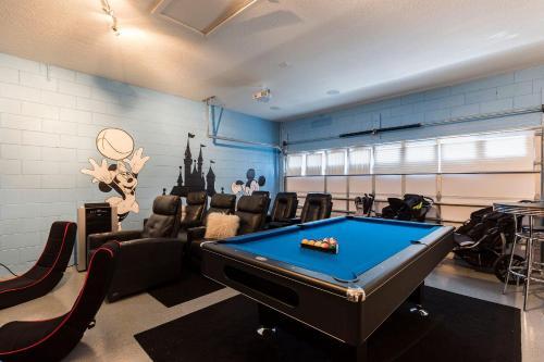 A billiards table at Disney,Encore Official Water Park&Golf Holiday Vacation Villa