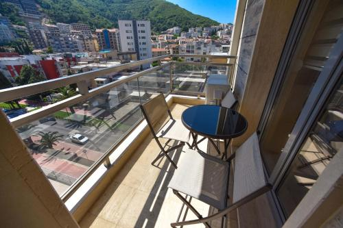 A balcony or terrace at Luxury Fontana Apartments