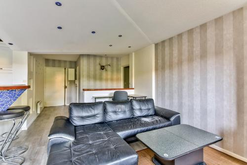 A seating area at 67m² for 4 with parking!