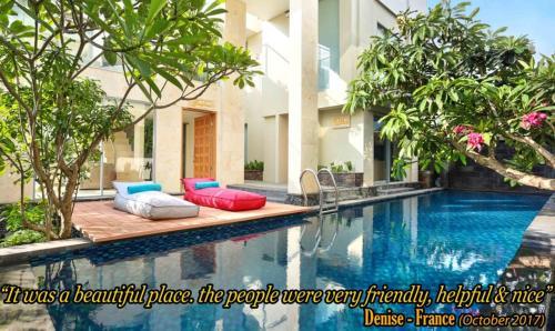 Der Swimmingpool an oder in der Nähe von Echo Beach Resort