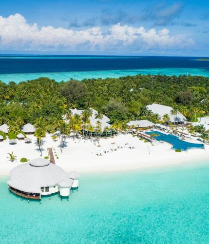 Een luchtfoto van Kihaa Maldives Resort & Spa