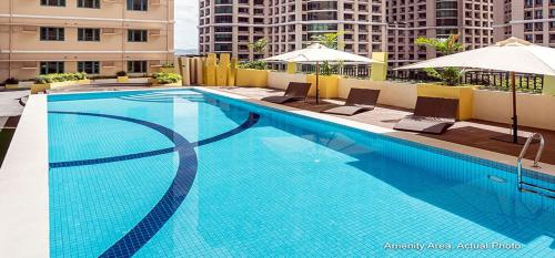 The swimming pool at or near Shine Residences
