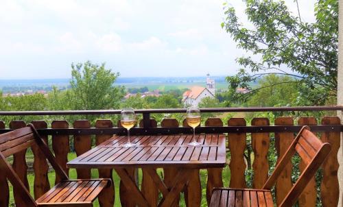 Ein Balkon oder eine Terrasse in der Unterkunft Holiday Home Slavica