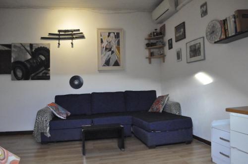 O zonă de relaxare la appartamento mansardato centralissimo,nel cuore della città. free animals