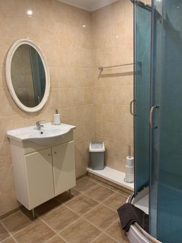 Kylpyhuone majoituspaikassa Rocca Apartments