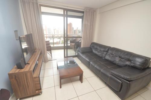 A seating area at Leme Penthouse Apartment