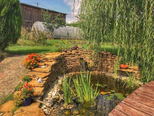 Vonkajšia záhrada v ubytovaní Clara Valis - Village House