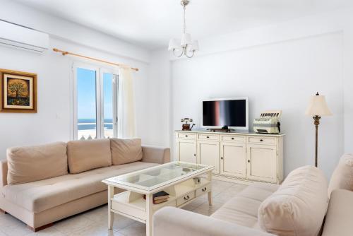 Χώρος καθιστικού στο Pernari Apartments