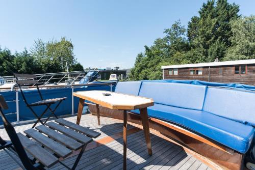 Bazén v ubytování BasicHouseboat nearcenter nebo v jeho okolí