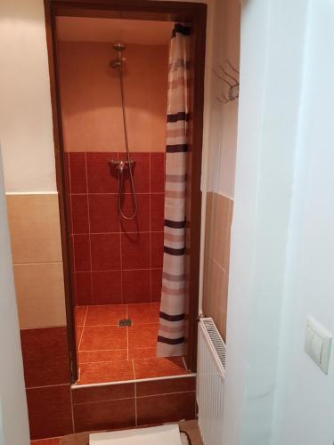 Ένα μπάνιο στο Luxury hostel