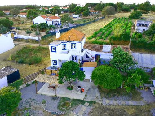 Uma vista aérea de Guesthouse Lagoa Santo André