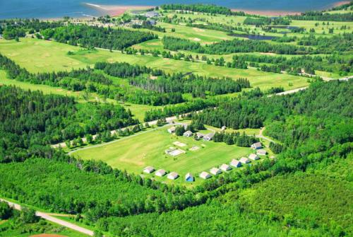 Uma vista aérea de Brudenell Fairway Chalets