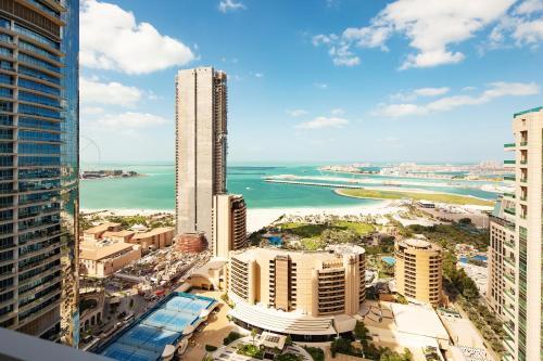 מבט מלמעלה על Barceló Residences Dubai Marina