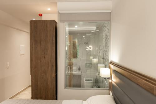 Ένα μπάνιο στο Sintrivanis Resort Beach