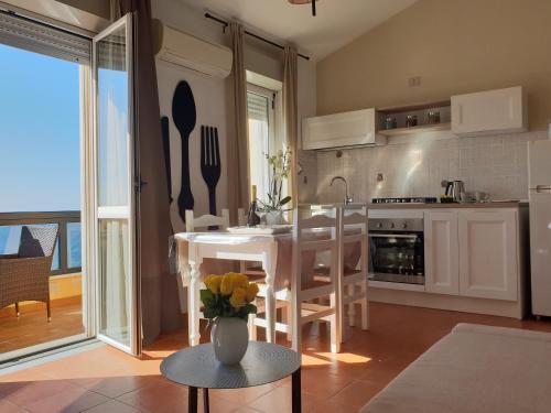 Cucina o angolo cottura di Appartamenti Sole 1