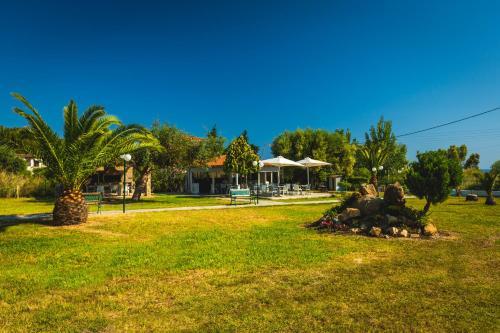 Сад в Atlantis Studios