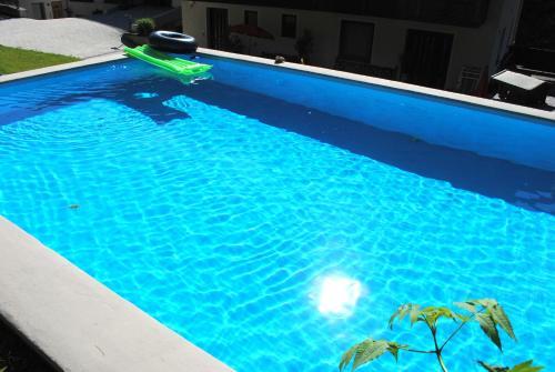 Der Swimmingpool an oder in der Nähe von Naturhaus Andrea