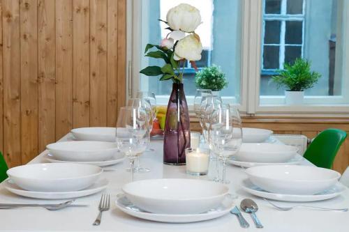 Ein Restaurant oder anderes Speiselokal in der Unterkunft Adela Apartment Prague Center