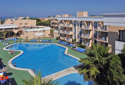 A view of the pool at Sol Sancti Petri Aparthotel or nearby