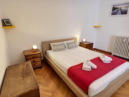 """A bed or beds in a room at Nestor&Jeeves - """"Palais Rialto"""" - Central - By sea"""