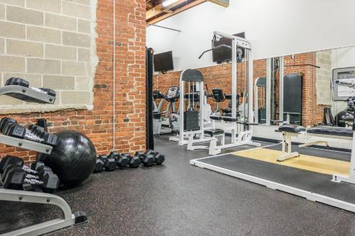 The fitness center and/or fitness facilities at Arts + Culture at 1br Suite Near Benedum Center