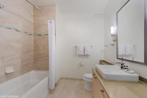 A bathroom at Corporate Suites Network - River North Luxury 2 Bedroom