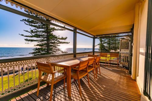 A balcony or terrace at Seawall Apartments