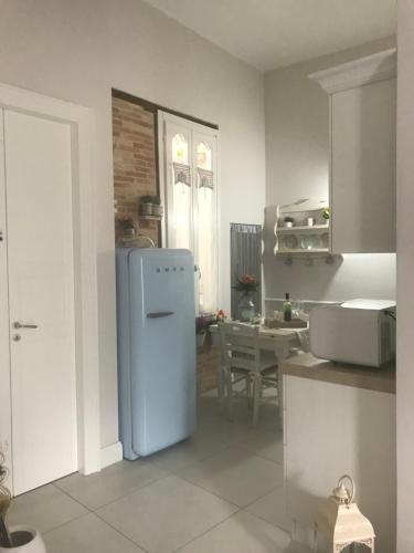 A kitchen or kitchenette at Enry White House