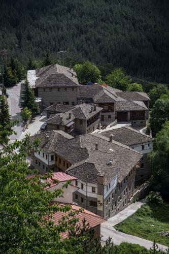 Άποψη από ψηλά του Katogi Averoff Hotel & Winery