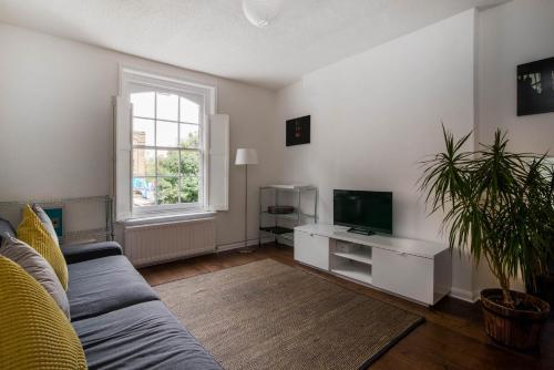 Hoxton Square Guest Apartment