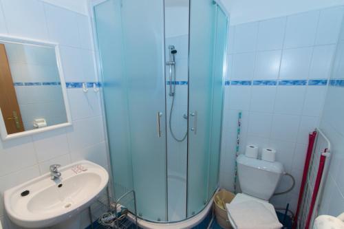 A bathroom at Pension Terezka