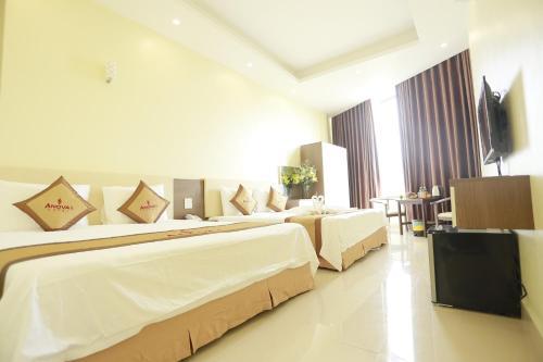Anova 2 Hotel
