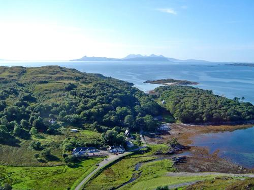 A bird's-eye view of Viking Cottage