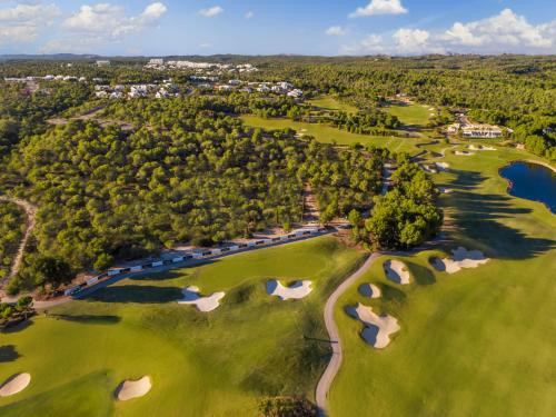 A bird's-eye view of Las Colinas Golf & Country Club Residences