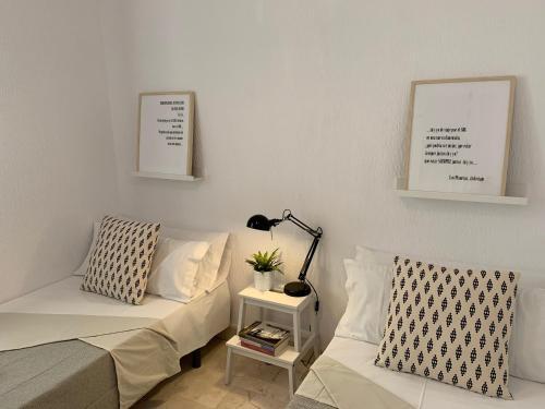 A seating area at ¡Te sentirás como en casa! #1st