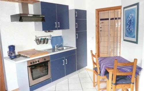 Een keuken of kitchenette bij Haus Eva A