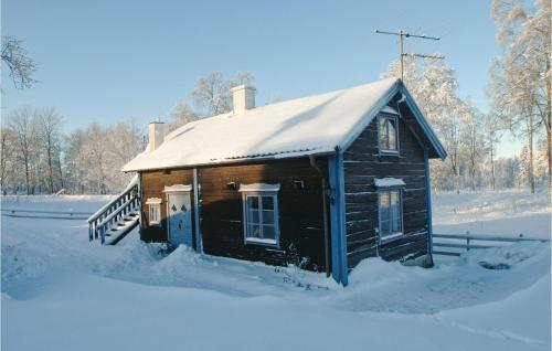 Two-Bedroom Holiday Home in Mullsjo during the winter