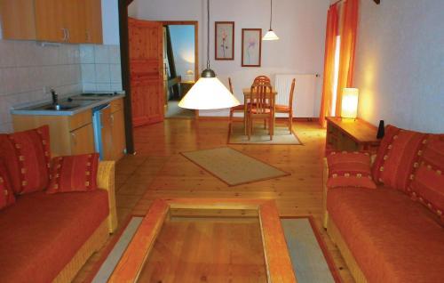 Ein Sitzbereich in der Unterkunft Apartment Birkenallee Z